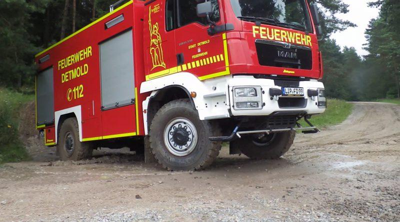 Feuerwehr Detmold absolviert Geländefahrtraining