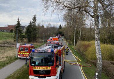 Dachstuhlbrand – zwei Personen verletzt